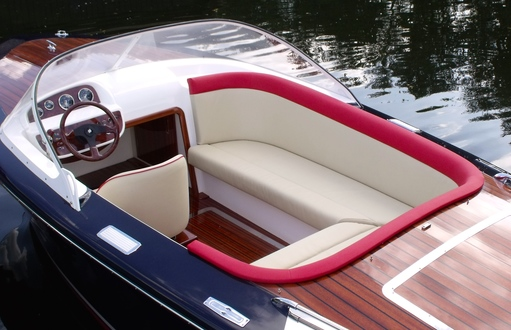 (11) Caprice Classic Sports Launch - Broadland Yacht Brokers