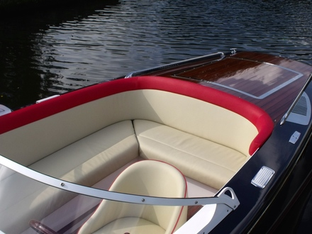 (20) Caprice Classic Sports Launch - Broadland Yacht Brokers