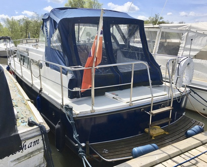 (1) Aquafibre Ocean 30 - Broadland Yacht Brokers