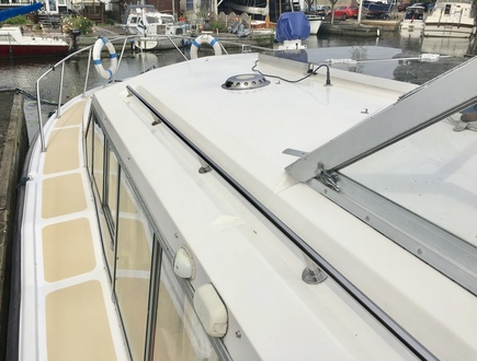 (37) Aquafibre 38 Lowliner - Broadland Yacht Brokers