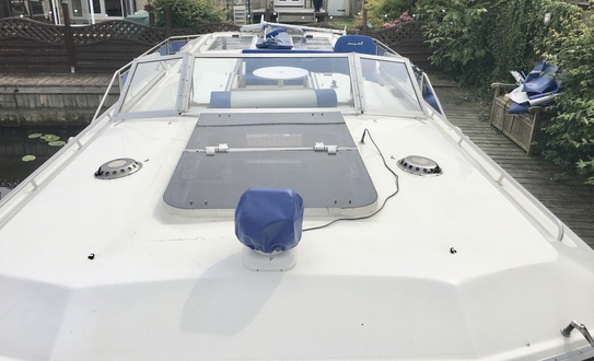 (34) Aquafibre 38 Lowliner - Broadland Yacht Brokers