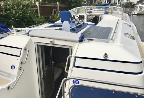 (22) Aquafibre 38 Lowliner - Broadland Yacht Brokers