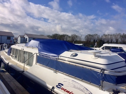 (21) Aquafibre 38 Lowliner - Broadland Yacht Brokers