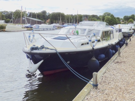 (17) Aquafibre 38 Lowliner - Broadland Yacht Brokers