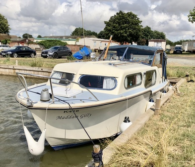 (5) Freeman 26 - Broadland Yacht Brokers
