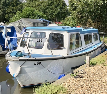 (1) Hampton Safari Mk 2 - Broadland Yacht Brokers