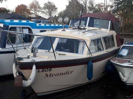 (1) Eastwood 24 - Broadland Yacht Brokers