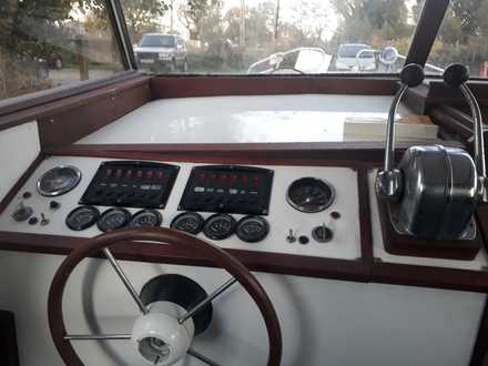 (26) Seamaster 813 - Broadland Yacht Brokers