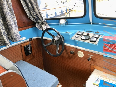 (20) Hampton Safari Mk II - Broadland Yacht Brokers