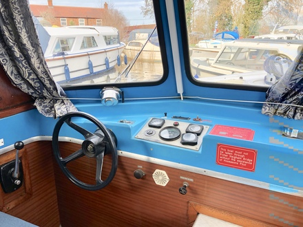 (28) Hampton Safari Mk II - Broadland Yacht Brokers