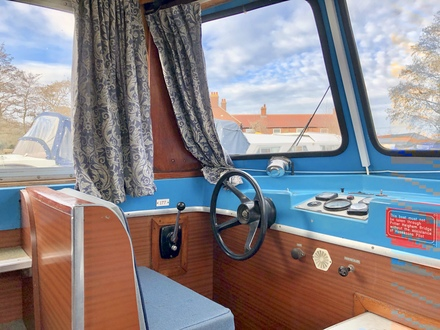 (24) Hampton Safari Mk II - Broadland Yacht Brokers