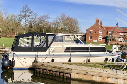 (29) Princess  32 - Broadland Yacht Brokers