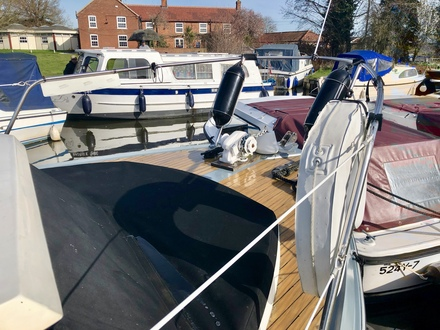 (12) Princess  32 - Broadland Yacht Brokers