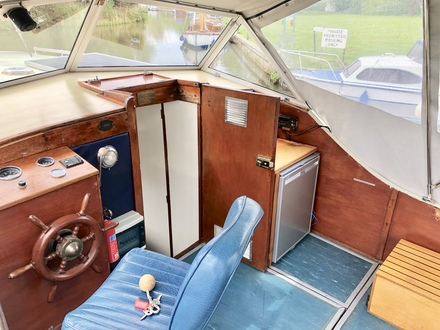 (6) Seamaster 27 - Broadland Yacht Brokers