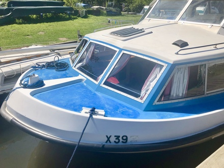 (3) Alphacraft 32 - Broadland Yacht Brokers