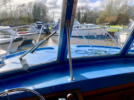 (27)  Bounty 37 - Broadland Yacht Brokers