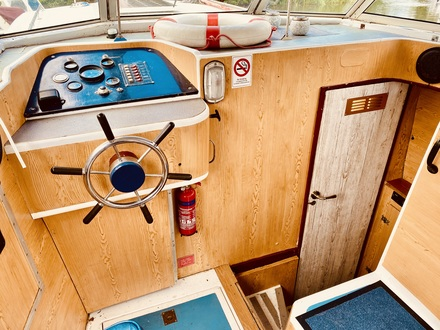(11)  Ocean 30 MK II - Broadland Yacht Brokers