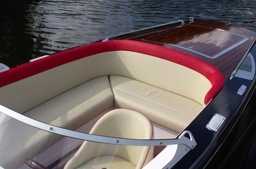 (21) Caprice Classic Sports Launch - Broadland Yacht Brokers