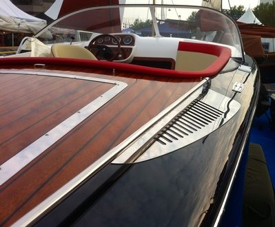 (16) Caprice Classic Sports Launch - Broadland Yacht Brokers