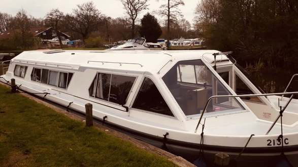 (51) Alphacraft 42 - Broadland Yacht Brokers